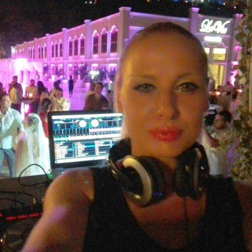 DJ  chi chi